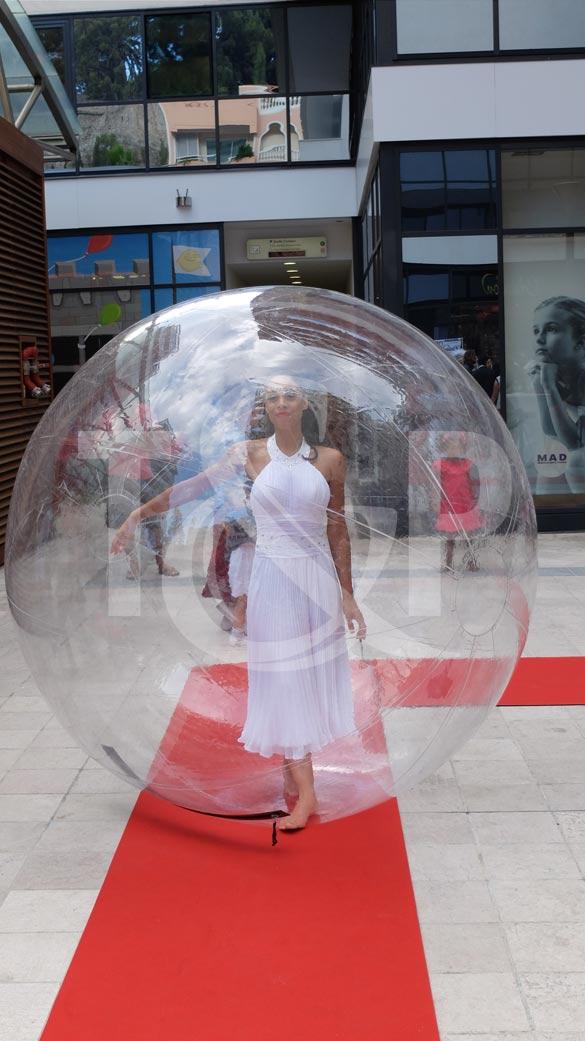 artistes bulle transparente, bulle transparente, danseuse, danseuse bulle transparente, bulle côte d'azur, transparence
