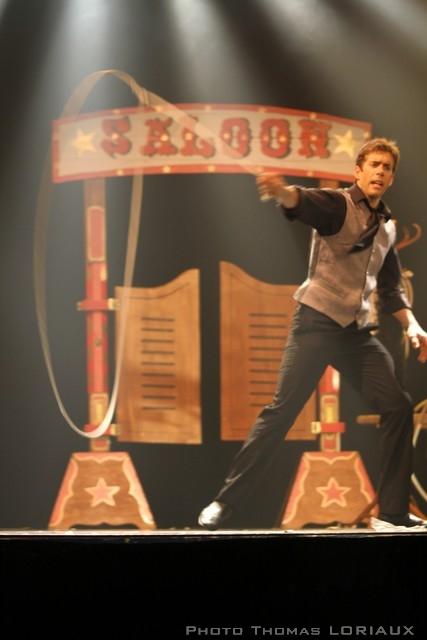 jongleur cow-boy, jongleur lasso, jongleur cirque, jongleur